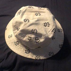 Off white Stussy $$ Capz bucket hat